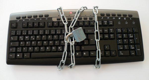 Nicos-EDV-Dienst Stockach abgeschlossene Tastatur